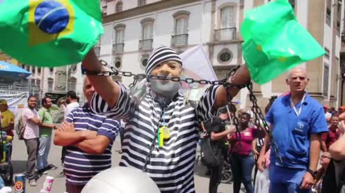 Brazil: Thousands rally against austerity outside Rio's legislative assembly