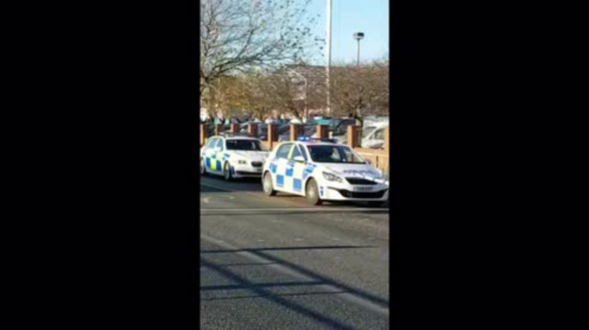 UK: Axe-wielding man shot by armed police in Hull