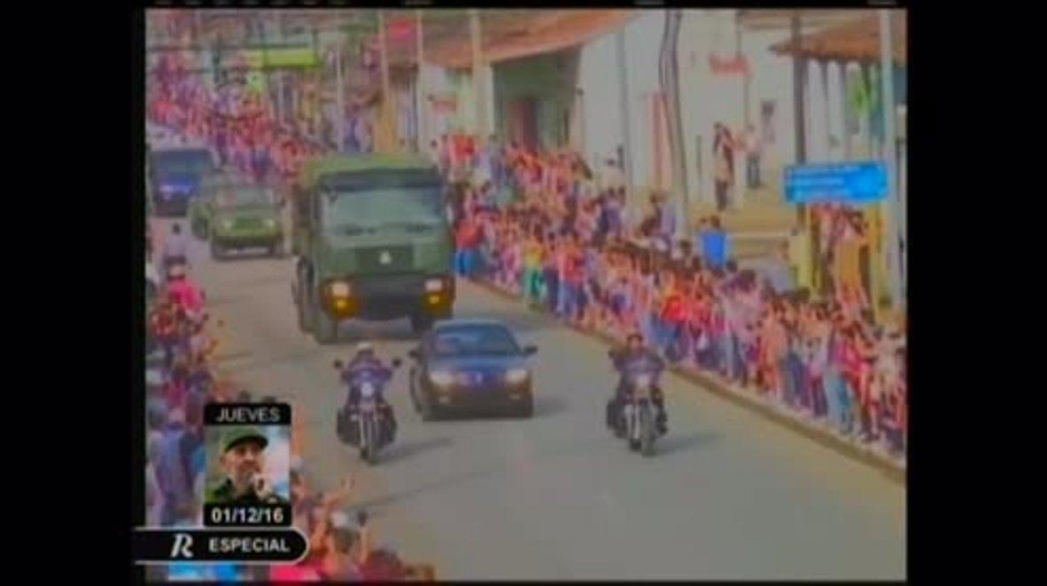 Cuba: Thousands bid farewell to Fidel as leader's ashes pass through Placetas