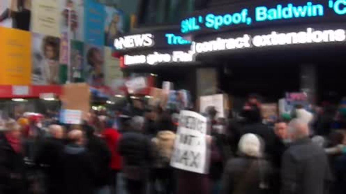 USA: New Yorkers celebrate as Army blocks Dakota Access pipeline route