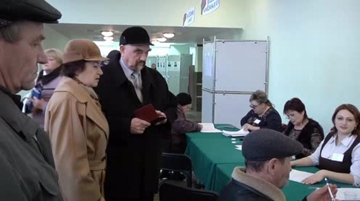 Transnistria: Former Transnistrian President Smirnov casts ballot in presidential election