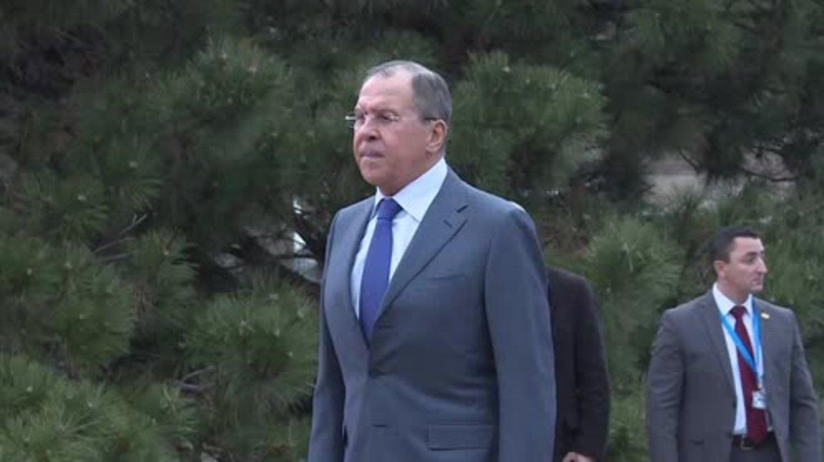 Serbia: Lavrov receives gift on behalf of deceased pilot Peshkov's family
