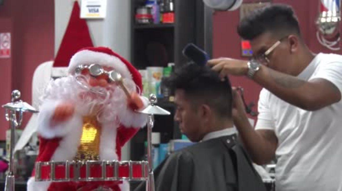 Peru: Hairy Christmas! Lima barbershop offers festive cuts to customers