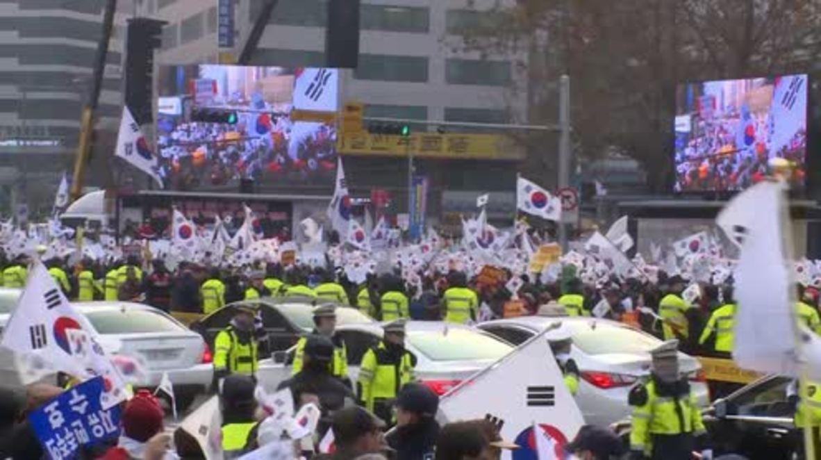 South Korea: Thousands stage Christmas Eve protest against President Park Geun-hye