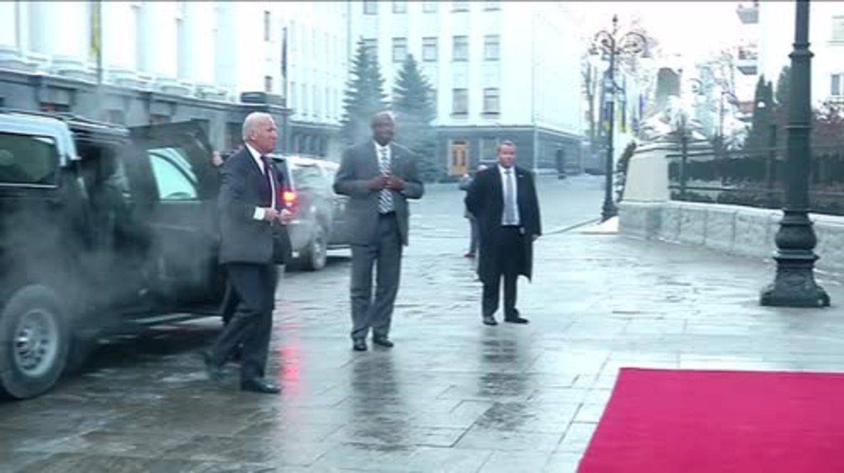 Ukraine: Russian sanctions to remain vows Biden on final Ukraine visit