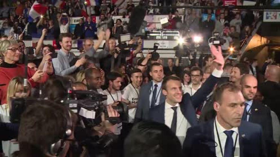 France: 10,000 fans greet presidential hopeful Macron at Lyon rally