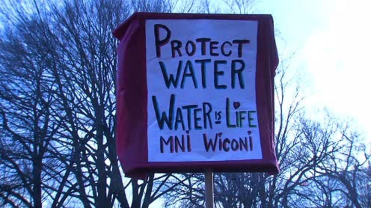 USA: Protesters rally outside White House to denounce Dakota Pipeline