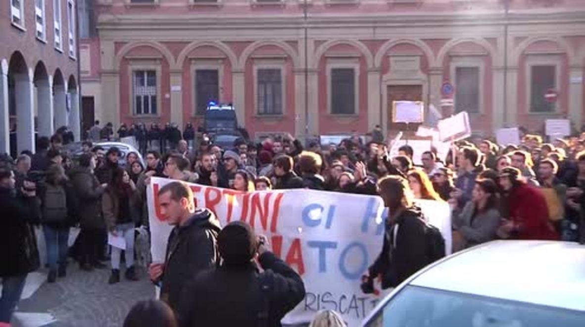 Italy: Hundreds march against installation of Bologna University turnstiles