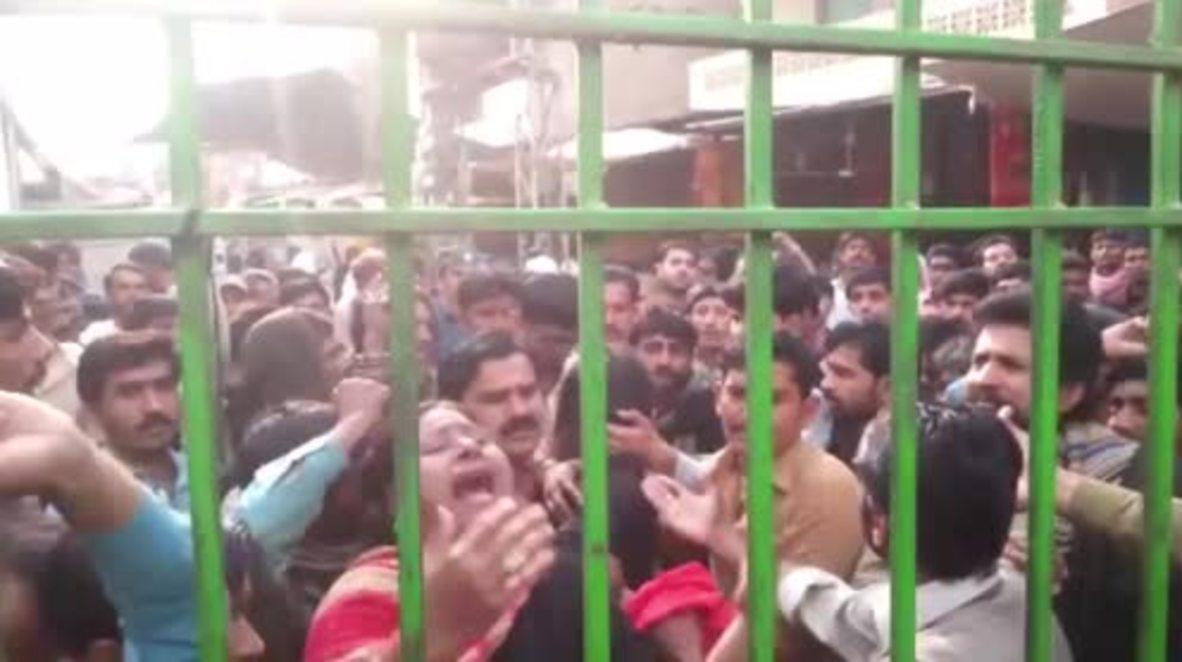 Pakistan: Devotees breach barricades to enter Sufi shrine hit by deadly blast