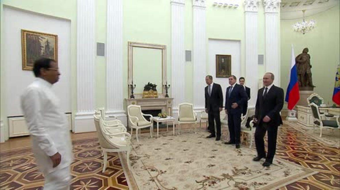 Russia: Putin meets Sri Lankan Pres. Sirisena in Moscow to strengthen bilateral ties