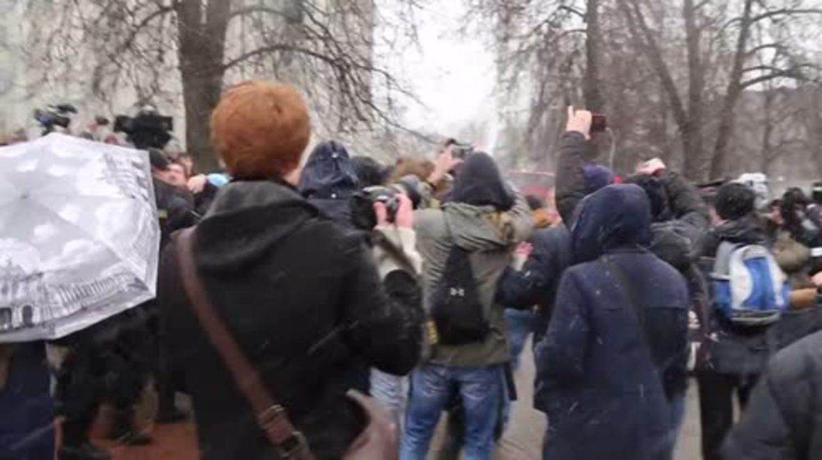 Belarus: Hundreds arrested at anti-government protests in Minsk