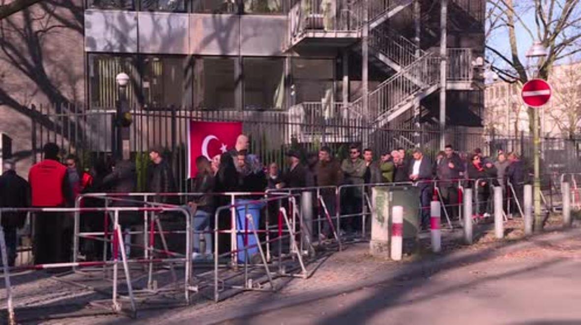 Germany: Berlin's Turks head to polls as voting begins in referendum