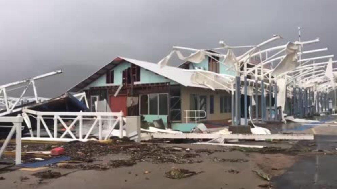 Australia: Cyclone Debbie tears through Queensland