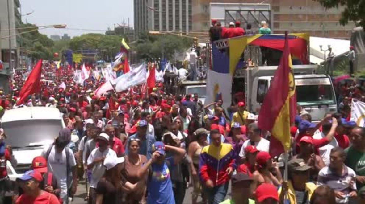 Venezuela: Thousands of Maduro's supporters march through Caracas