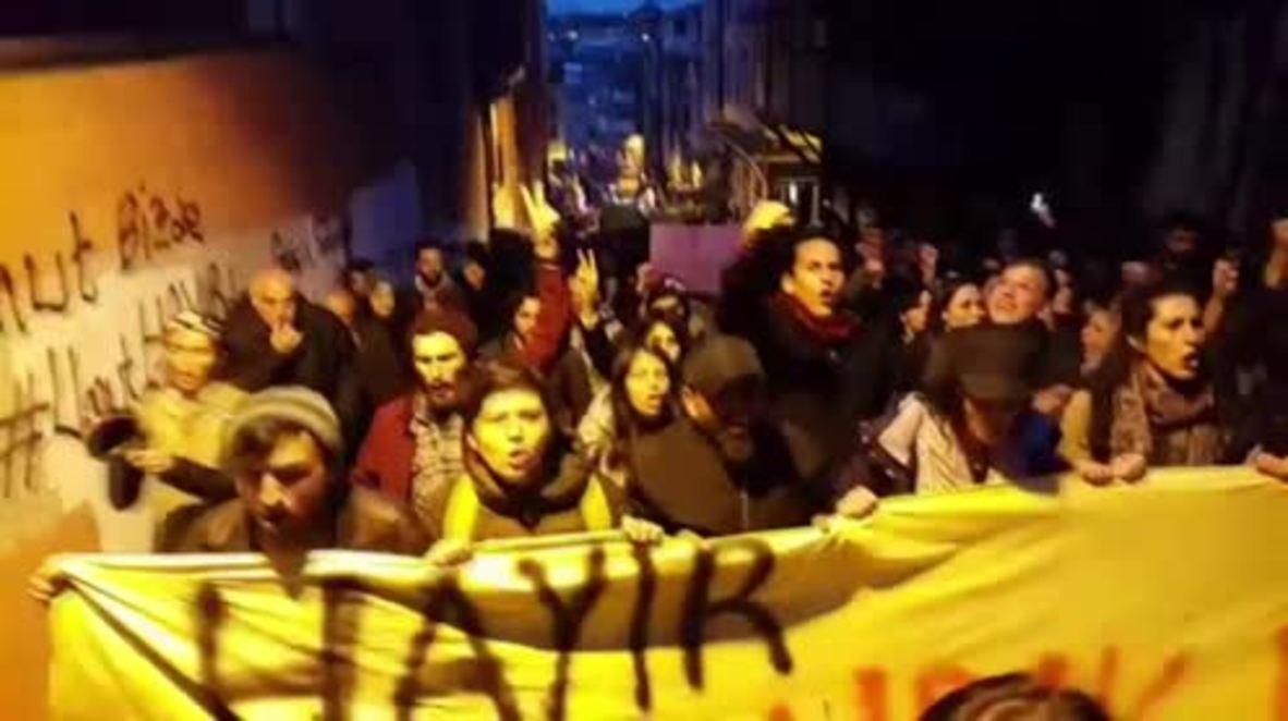 Turkey: Anti-Erdogan demonstrators march against referendum results in Istanbul