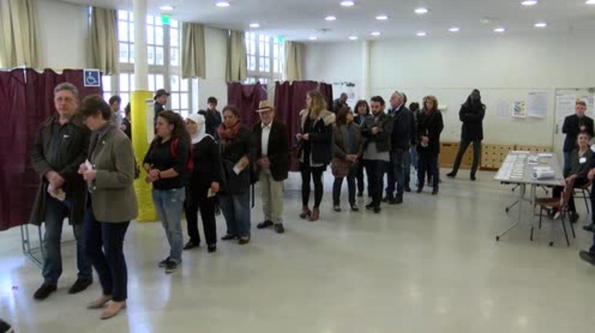 France: Voters queue Paris as presidential elections get underway