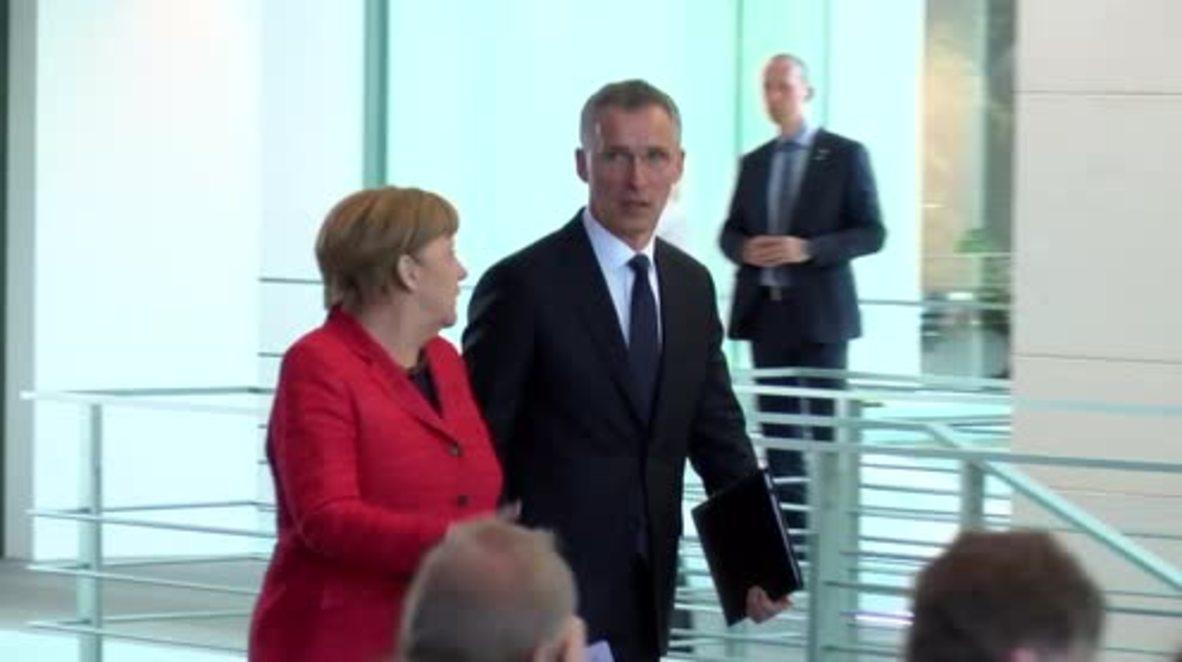 Germany: Merkel backs DefMin's reforms for army amid 'assassination plot' scandal