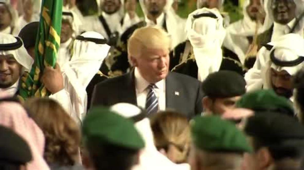 Saudi Arabia: Trump gets his groove on in traditional Saudi sword dance