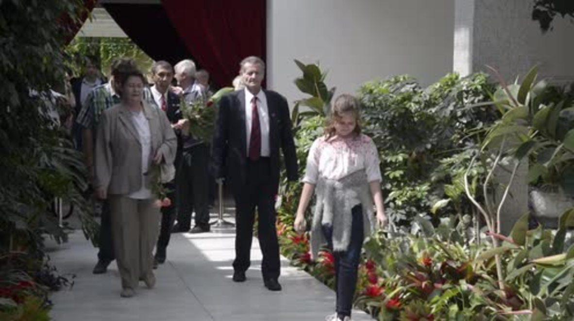 Serbia: Josip Broz Tito's 125th birthday celebrated by hundreds in Belgrade