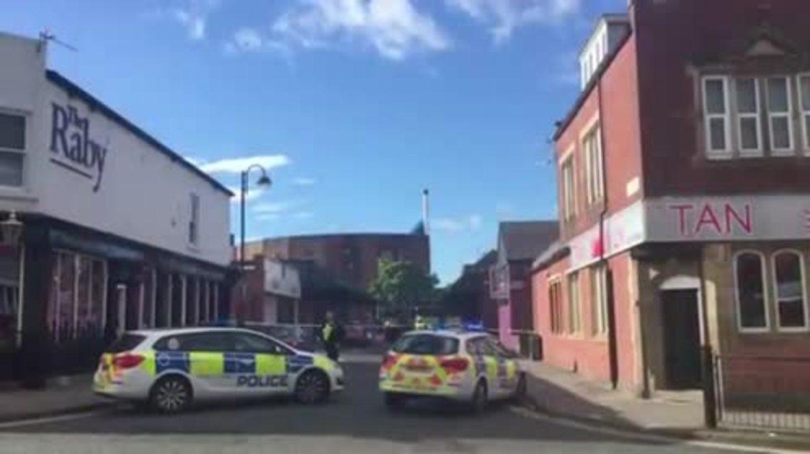 UK: Knifeman takes job-centre staff hostage in Newcastle