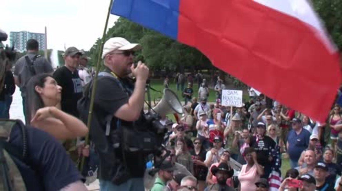 USA: Gun-carrying Texans rally to protect Sam Houston Statue