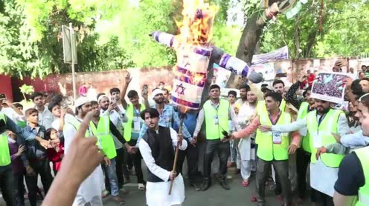 India: Al-Quds Day protesters burn Israeli flag in New Delhi
