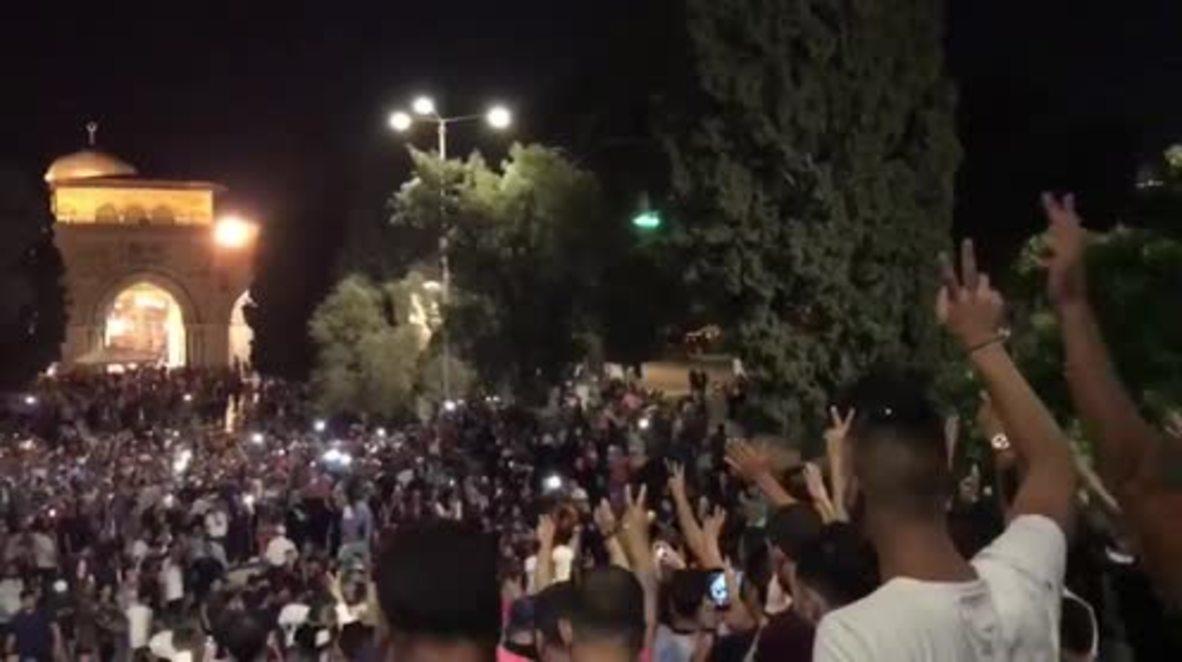 East Jerusalem: Celebrations as Israel lifts al-Aqsa mosque age restrictions