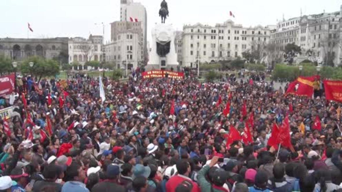 Peru: Striking teachers attempt march on Congress in Lima