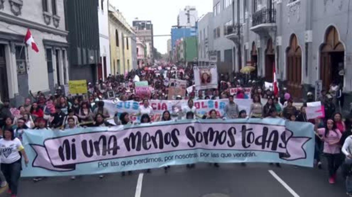Peru: Women speak out against gender violence in Lima mass march