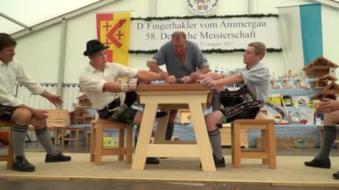 1-2-3-4, I declare a finger war! Finger-wrestling champs hit Bavaria