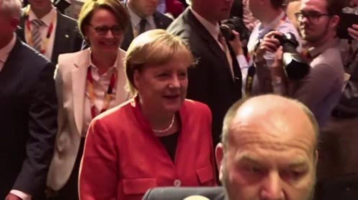 Germany: Europe still lacks 'solidarity' - Merkel on campaign trail