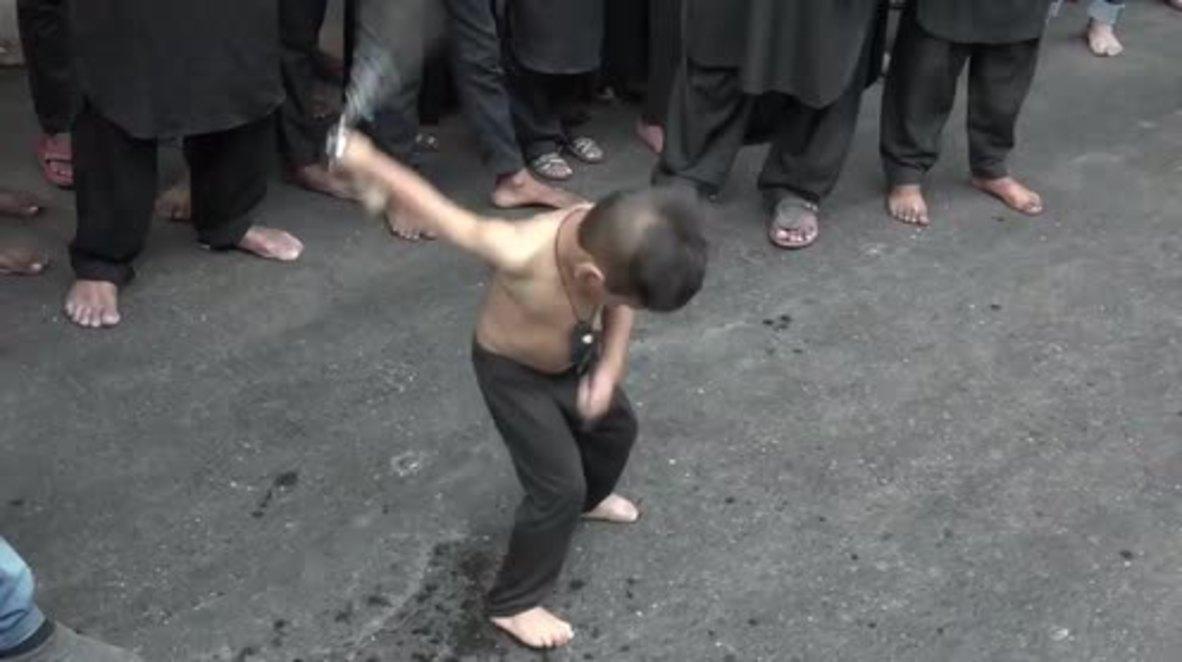 India: Self-flagellating Shia worshippers take part in Mumbai Arbaeen procession *GRAPHIC*