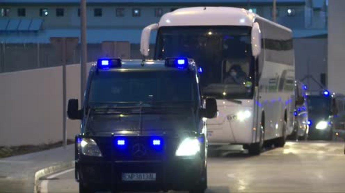 España: Continúan las deportaciones a Argelia pese a las protestas por la muerte de un inmigrante
