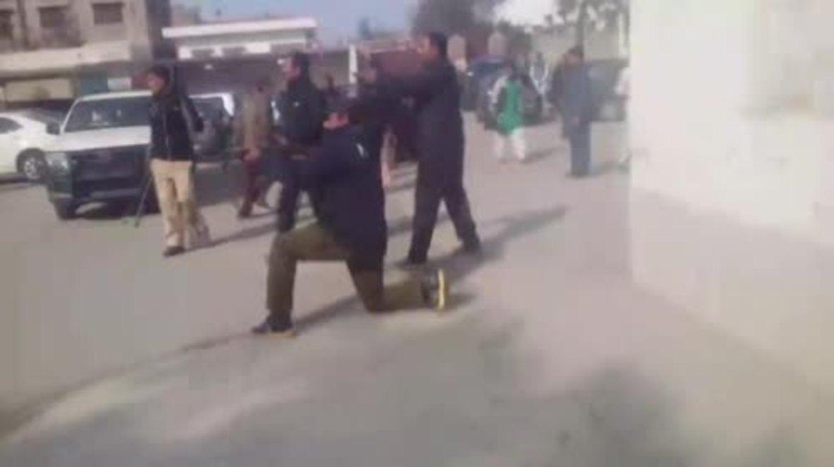 Pakistán: Dos muertos en protestas contra la violación y homicidio de una niña de 7 años *EXPLÍCITO*