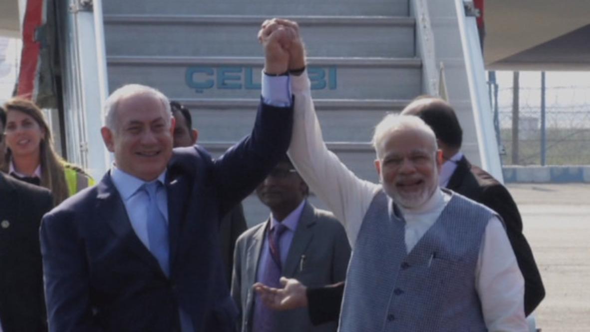 India: Modi recibe a Netanyahu en el aeropuerto de Delhi.