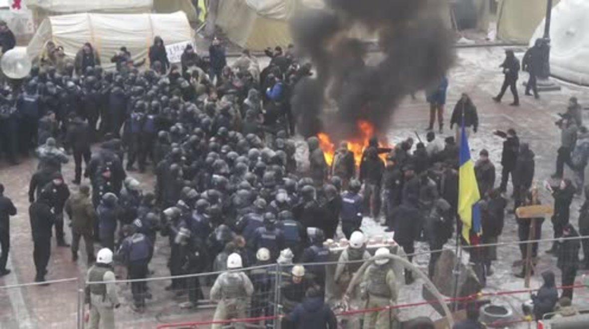 Ukraine: 'Stop Revenge' - Kiev protesters demand reintegration of Donbass
