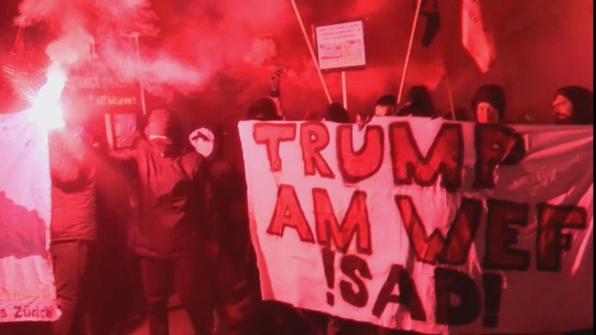 Switzerland: Thousands march on Zurich against Trump WEF speech