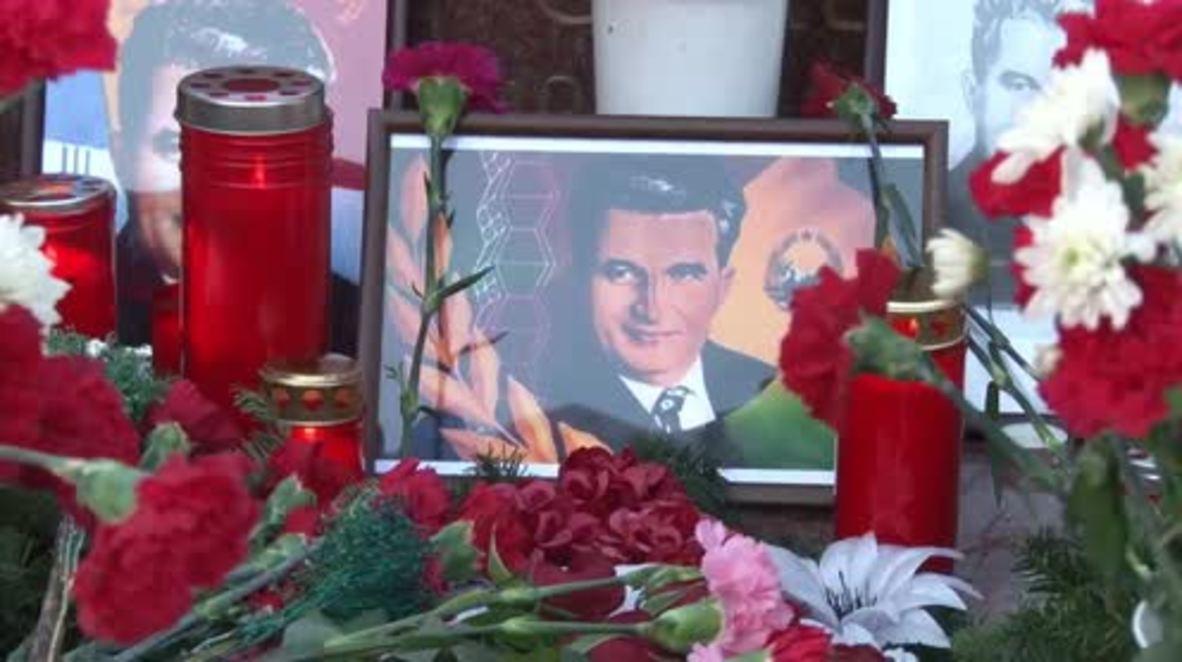 Rumanía: Docenas de personas conmemoran el centenario de Ceausescu y recuerdan sus logros