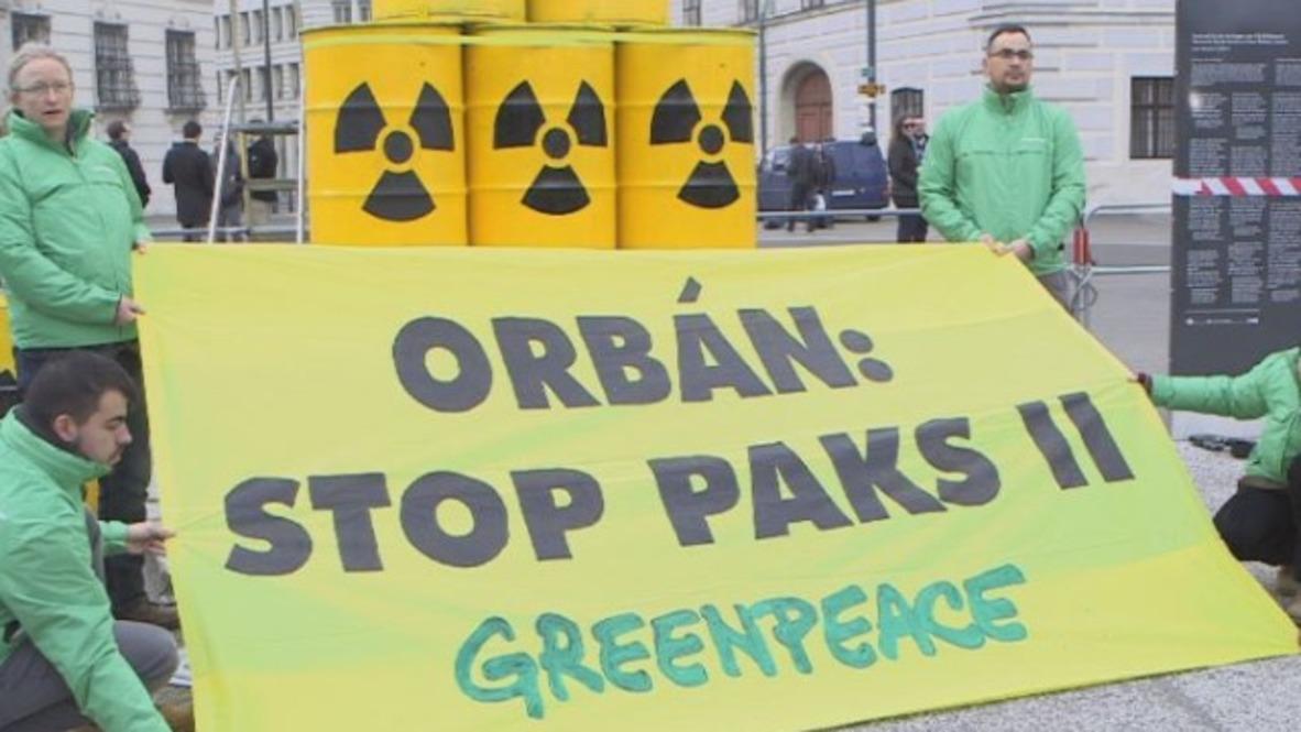 Austria: Protests greet Orban ahead of meeting with Kurz