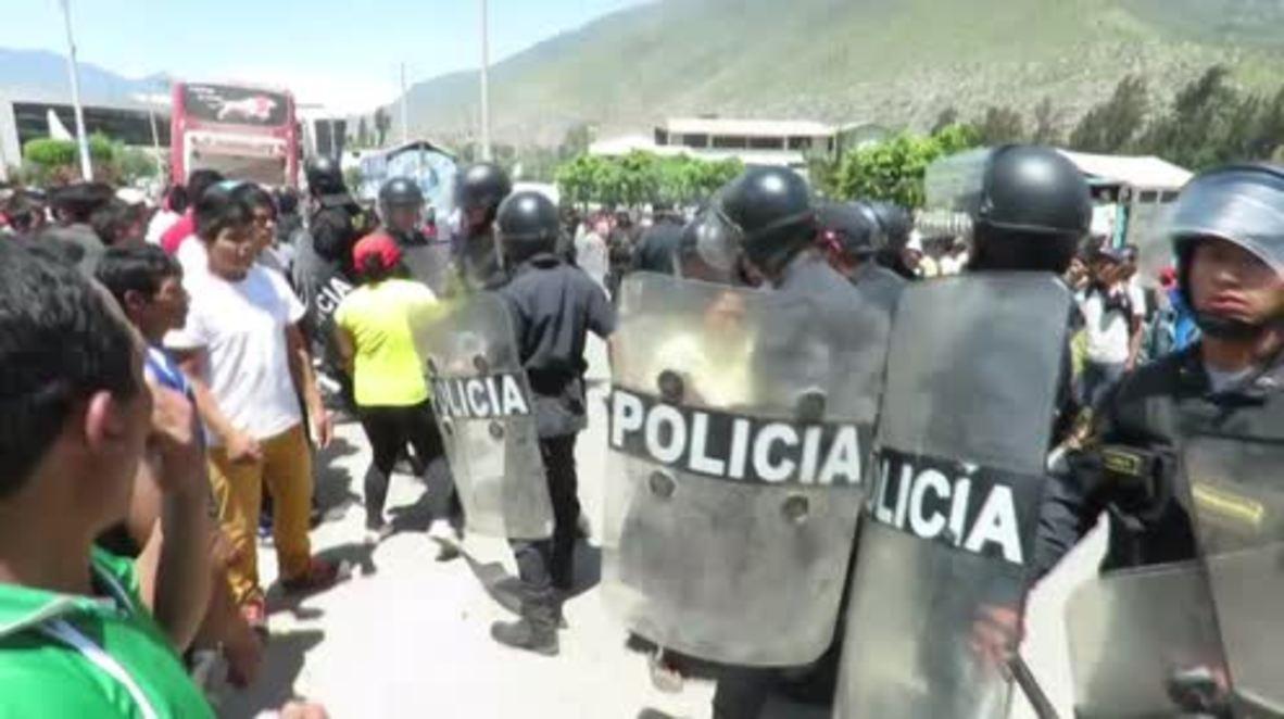Perú: Un herido y varios detenidos en las protestas de los agricultores de Huánaco