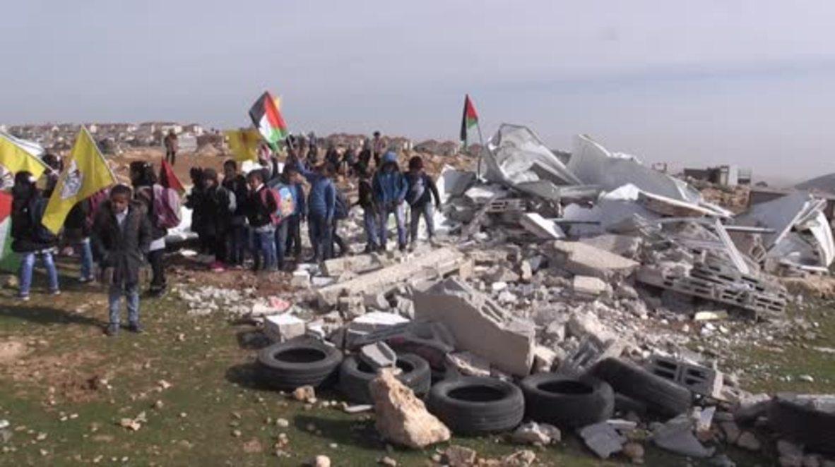 Estado de Palestina: El único colegio en la comunidad palestina de al-Nawwar es demolido por fuerzas israelíes