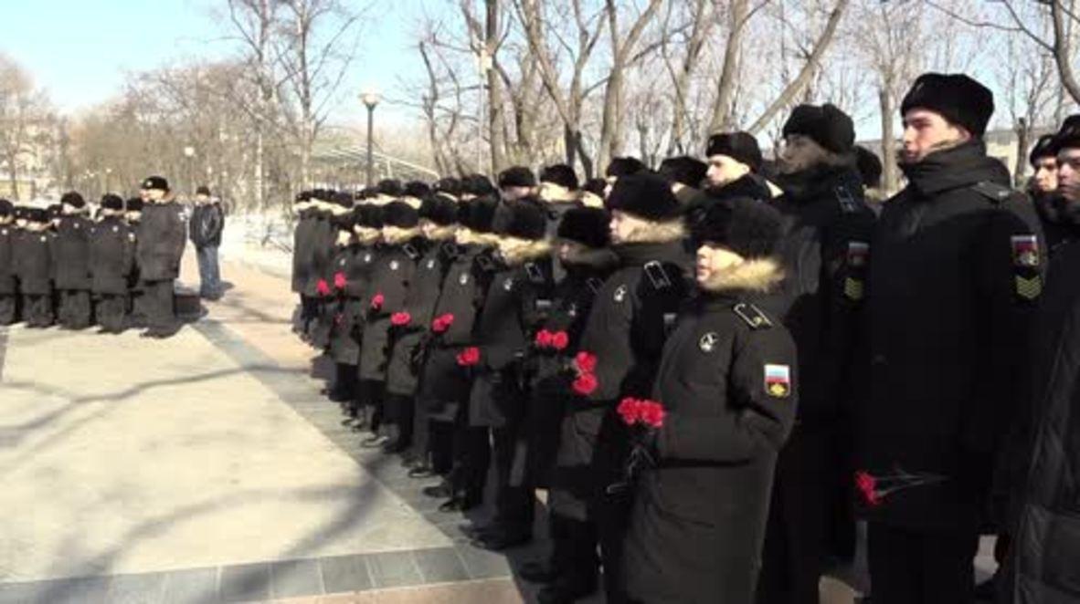 Rusia: Celebran servicio conmemorativo en Vladivostok en honor al piloto asesinado en Siria.