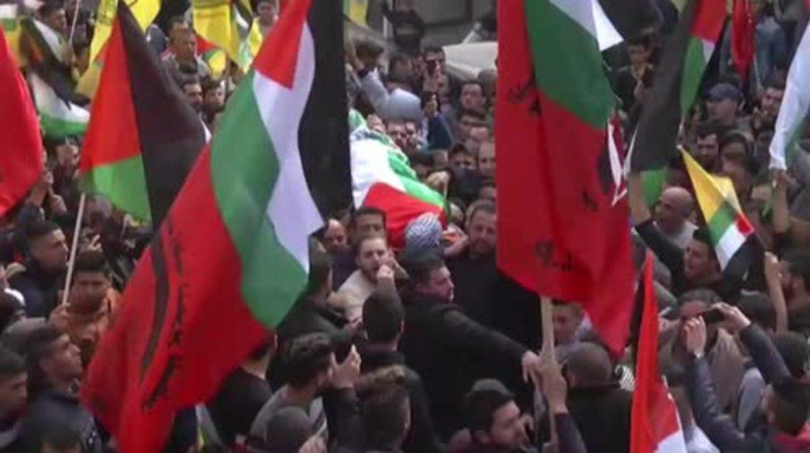 Palestina: Miles de palestinos en funeral del jóven palestino de 22 años.