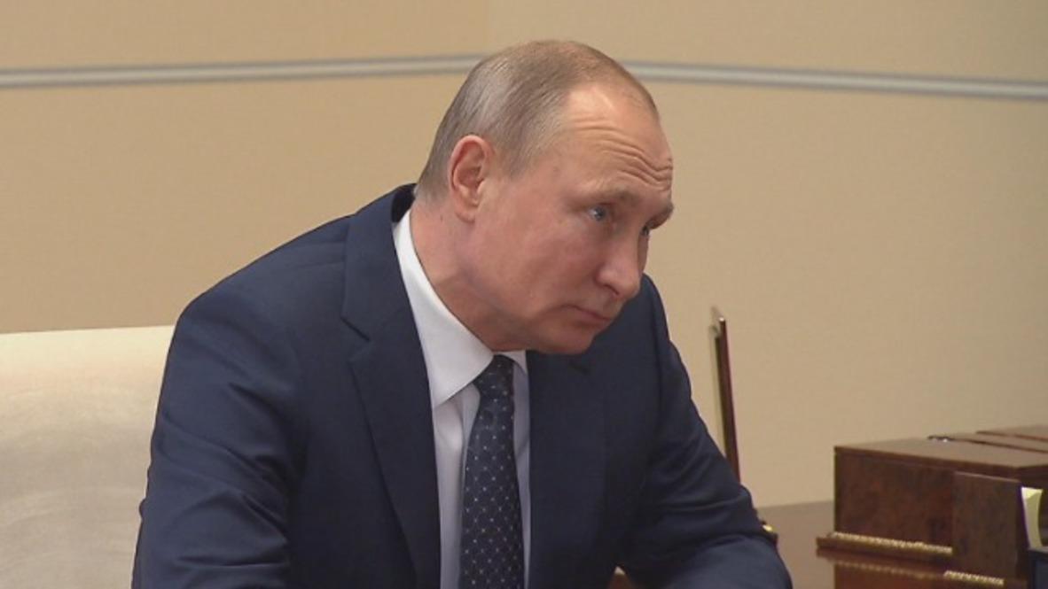 Russia: Mining CEO shows Putin Russia's most expensive diamonds
