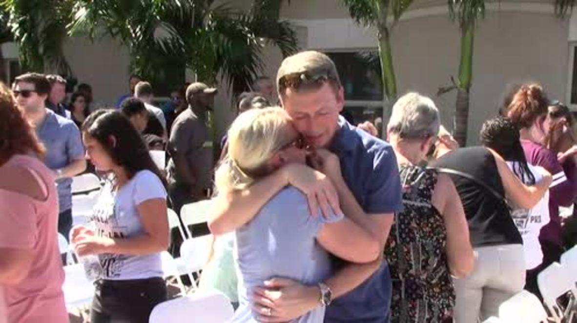 EE.UU.: Dolientes honran a las víctimas de la tragedia de la escuela Parkland