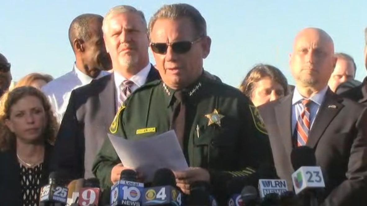 USA: Florida school shooting firearm 'purchased lawfully' - Sheriff Israel
