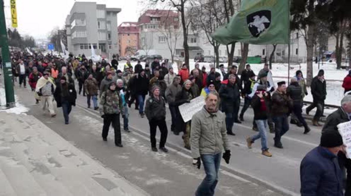 Bosnia y Herzegovina: Veteranos toman las calles para exigir más derechos