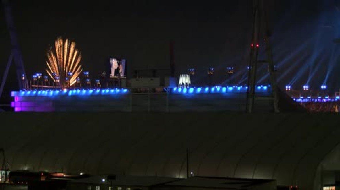 Corea del Sur: Fuegos artificiales iluminan el cielo nocturno para comenzar los Juegos Paralímpicos de Invierno