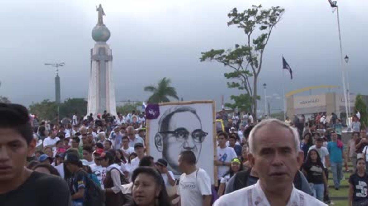 El Salvador: Thousands celebrate canonisation of Archbishop Oscar Romero