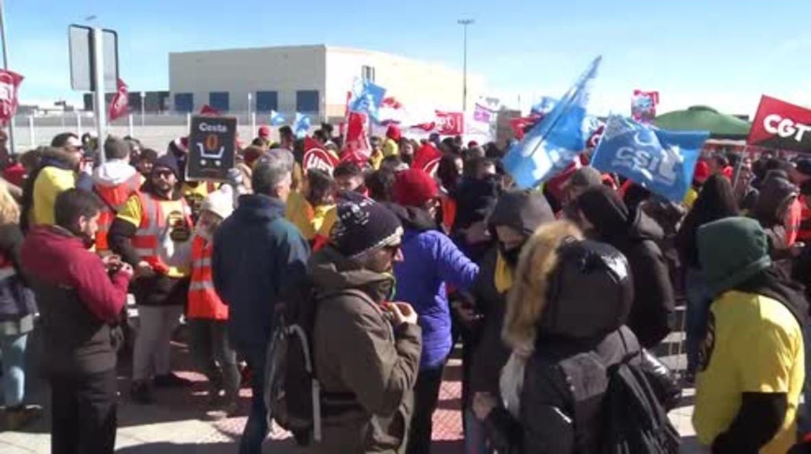 España: Los trabajadores de Amazon van a la huelga para pedir mejores salarios y bonificaciones